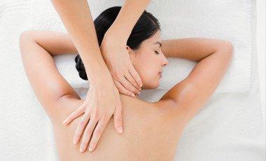 Девушка-массаж
